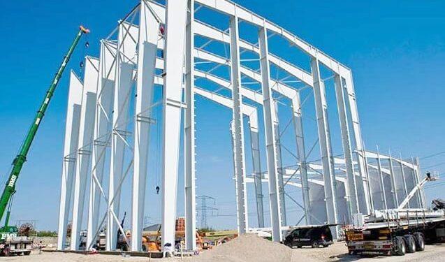 Stahlhallenkonstruktion Produktionshalle