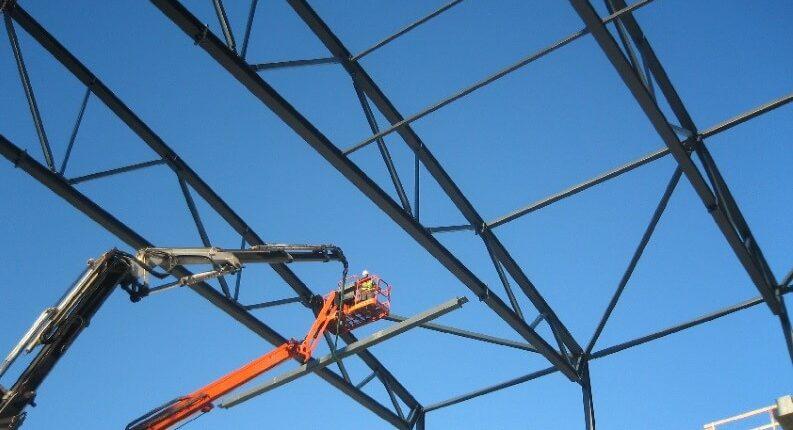 Stahlhallenkonstruktion Fachwerkbinder