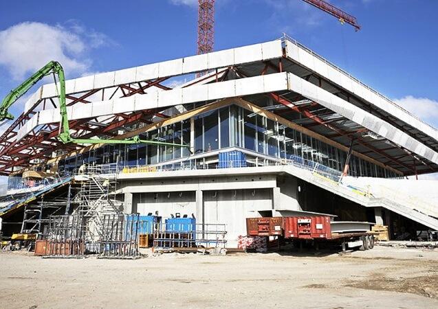 Stahlkonstruktion Vorbaufassade