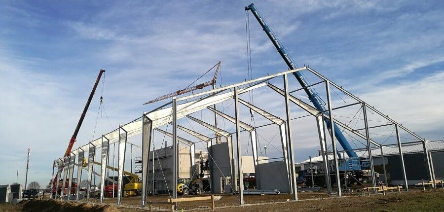 Hallenmontage Stahlhallenkonstruktion feuerverzinkte Produktionshalle