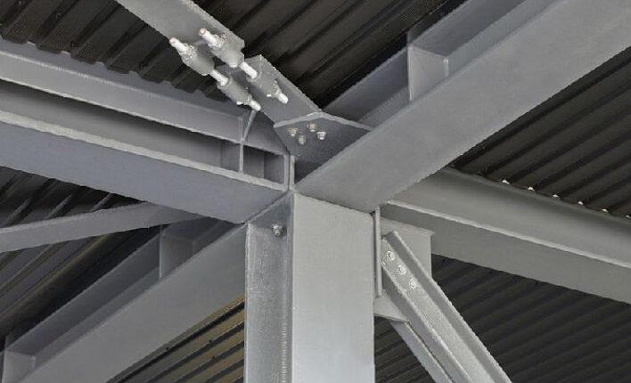 Hallenmontage Stahlhallenkonstruktion Knotenpunkt