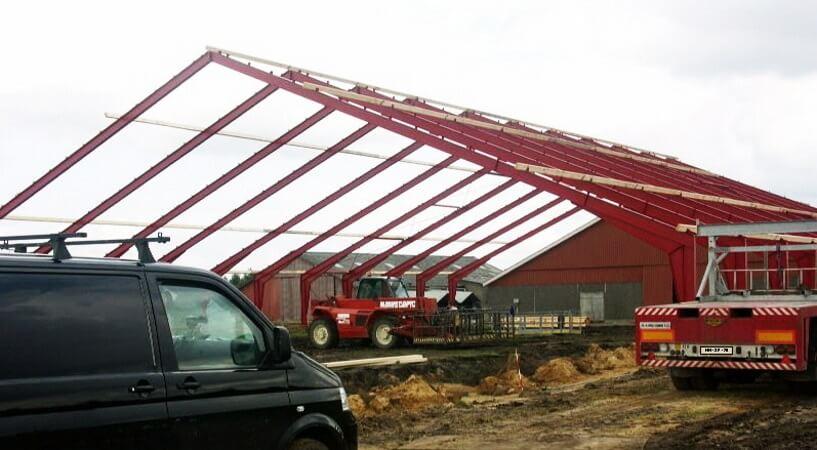 Hallenmontage Stahlhallenkonstruktion Satteldach