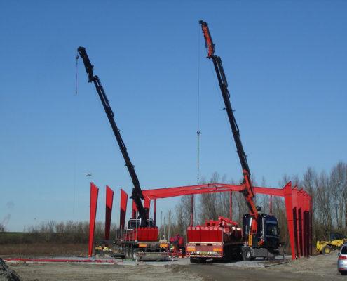 Montage Stahlhallenkonstruktion Produktionshalle